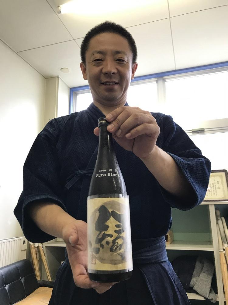 鈴木先生と縁のお酒 書家二階堂勇悦